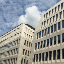 Wrocławski Pegaz w rękach Warburg-HIH Invest Investments